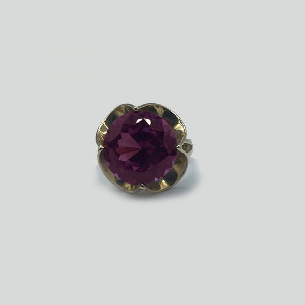 Alexandrite Ring gold floral shaped setting