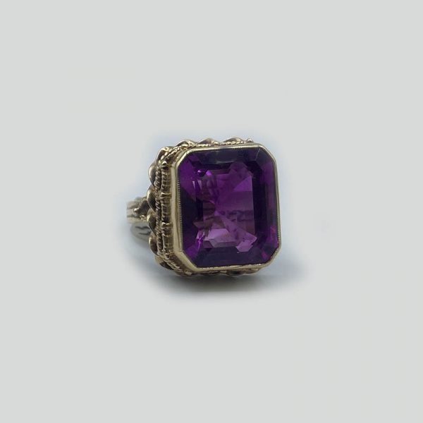 Amethyst Victorian Gold Ring 14K gold setting