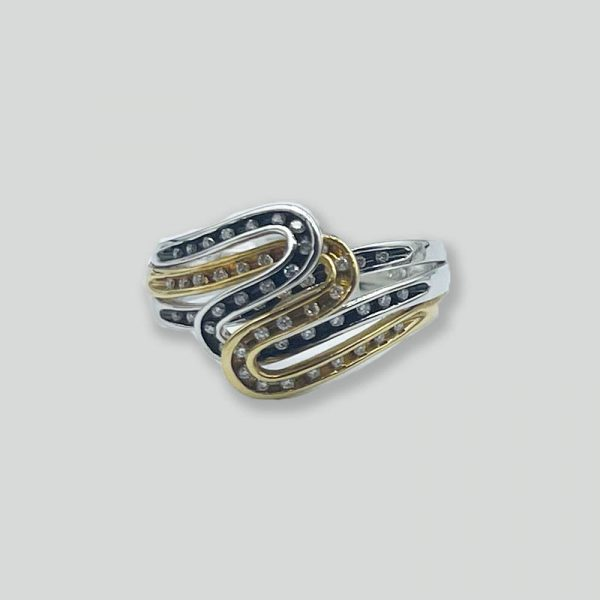 Curved Ring with Diamonds