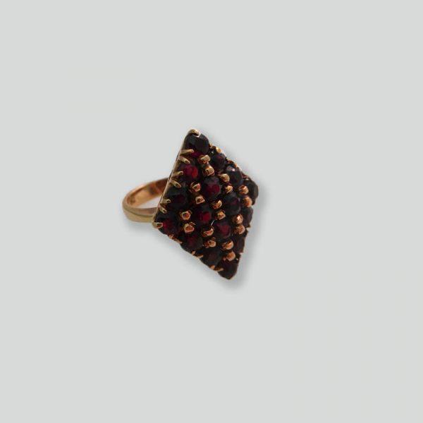 Diamond-Shaped Ring 18k Gold & Garnet Nuggets