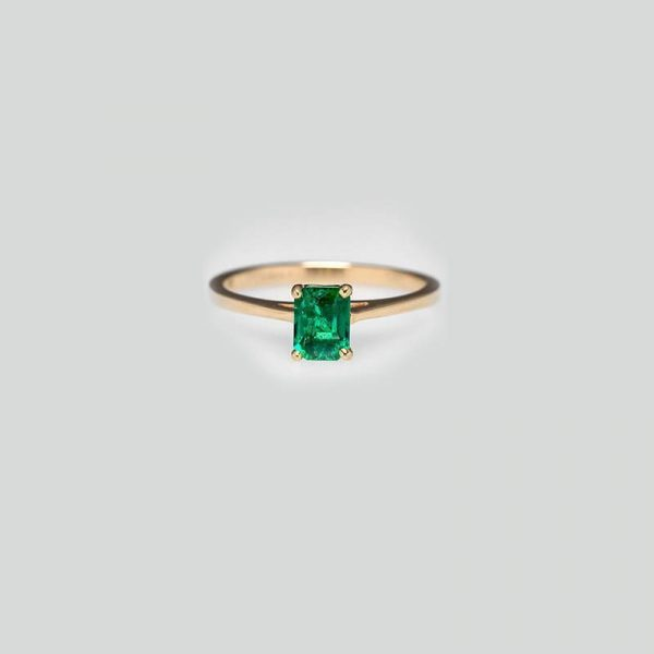 gold Solitaire Emerald Ring