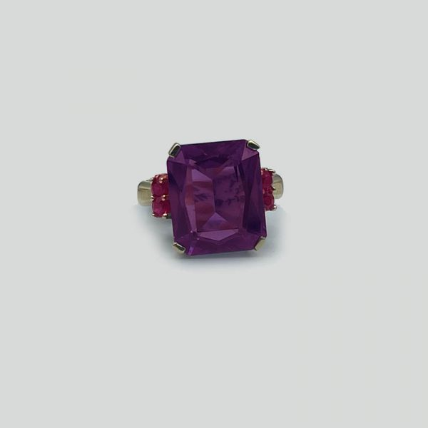 Vintage Alexandrite ring with rubies gold setting