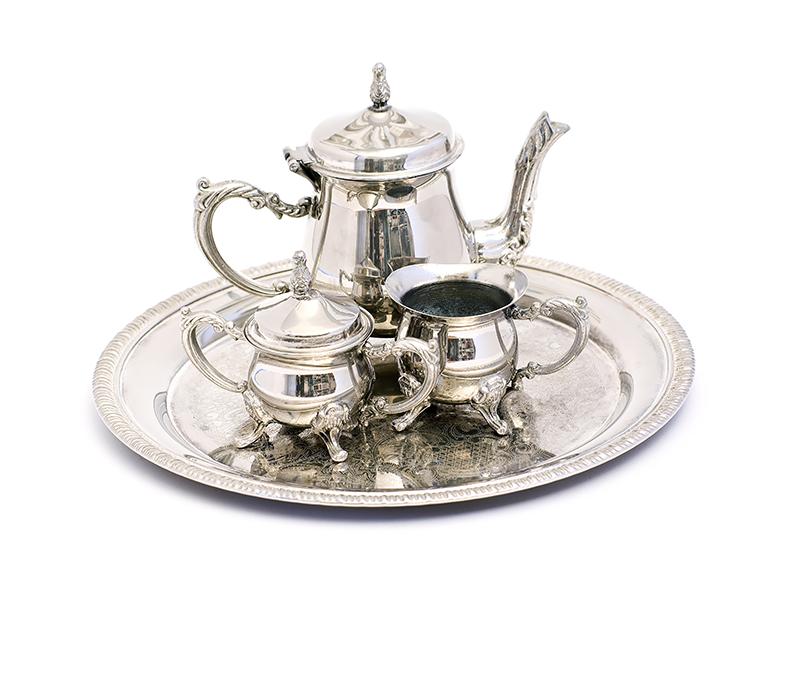 old-vintage-teapot-set