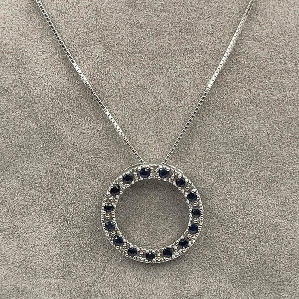 Vintage Sapphire circle pendant in 14K white gold2