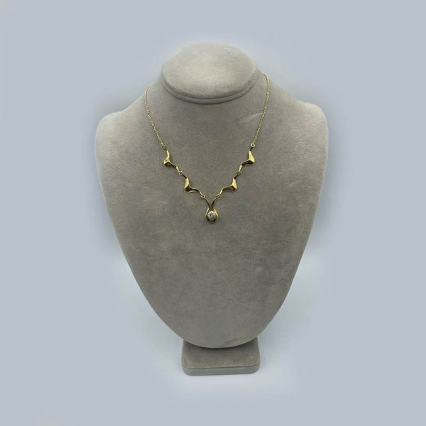 Vintage Solitaire Diamond Scalloped Necklace on Gold Chain