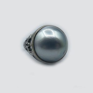 14kt White Gold Mabe Pearl Gray Ring