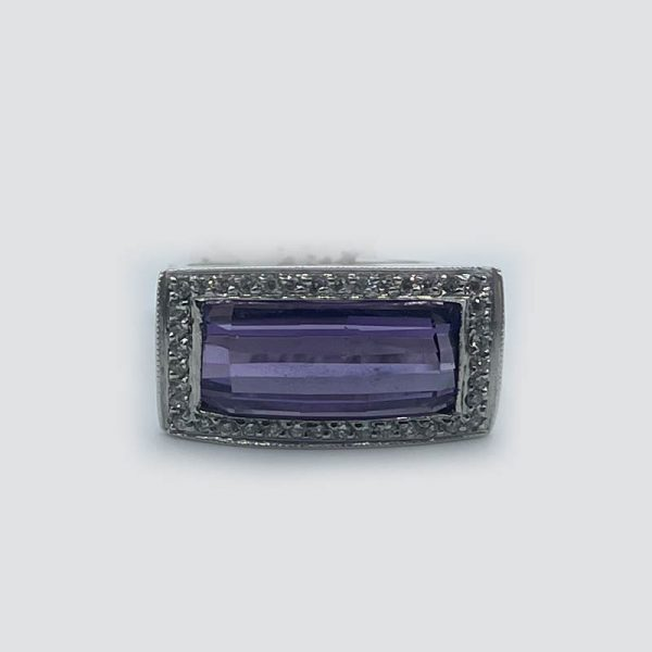 14kt White Gold Ring with Diamonds and Amethyst