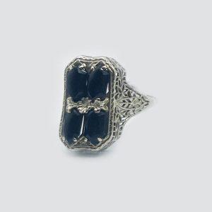 14kt White Gold Vintage Onyx Ring